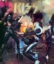 kiss image feat