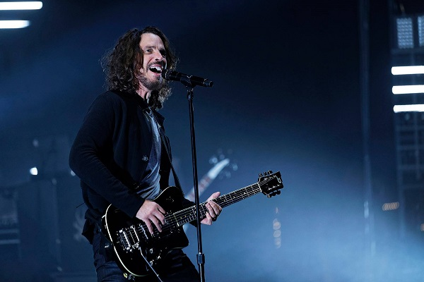 Rocker Chris Cornell killed himself by hanging, official says