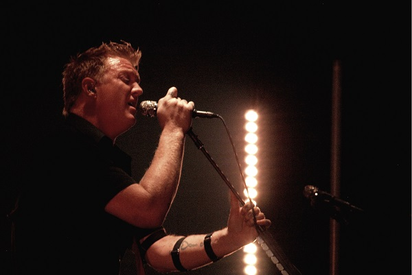 Queens of the Stone Age's Josh Homme andRage Against the Machine'sZack de la Rocha will appear on an upcoming TV special to encourage voter turnout.