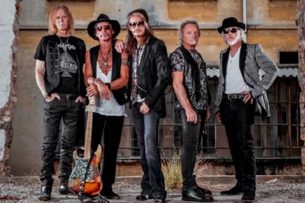 Aerosmith publicity photo.
