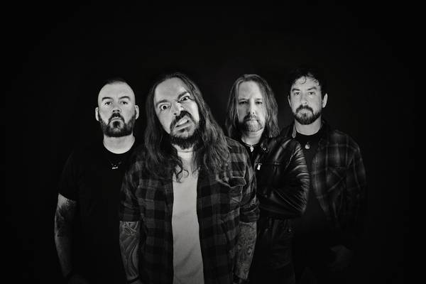 """Seether will release their new album, """"Si Vis Pacem, Para Bellum,"""" in August."""