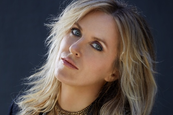 Singer-songwriter Liz Phair posts for a promo photo.